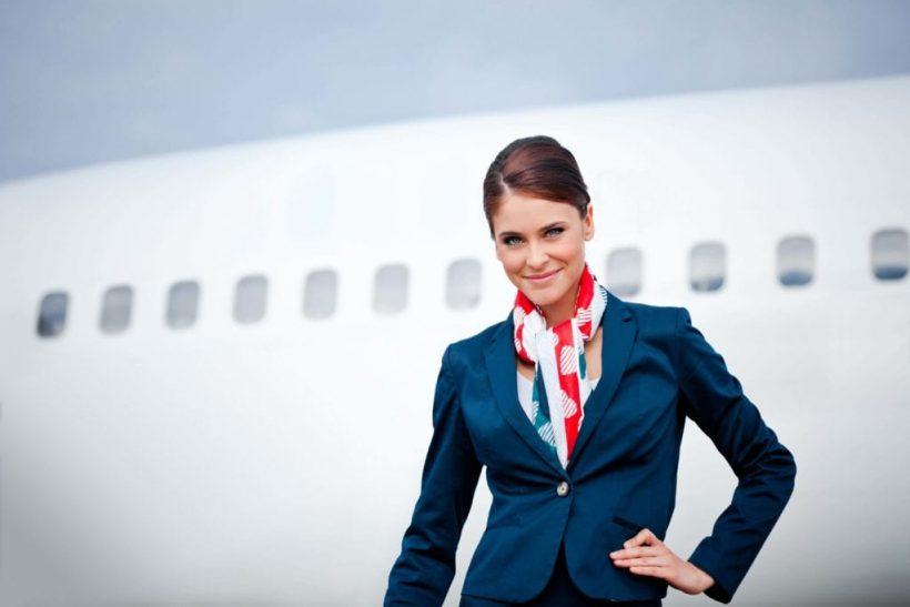 Cómo convertirse en un asistente de vuelo