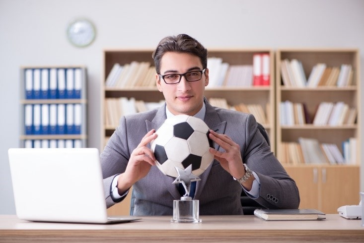 Patarimai Undergrads Ieškau futbolininko karjerą Darbas