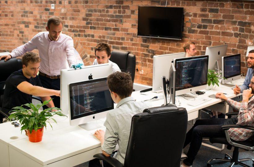 Front-End Web Developer saatekirje ja Jatka Esimerkkejä
