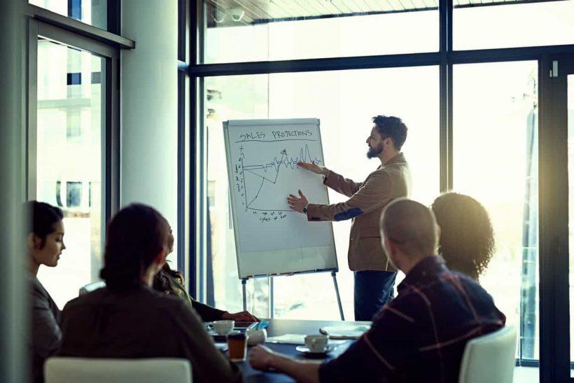 קריירת מכירות: למעלה עמלה המבוססת משרות מכירות
