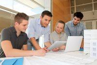 Лето Работа или интернатура – Что лучше для студентов колледжа?