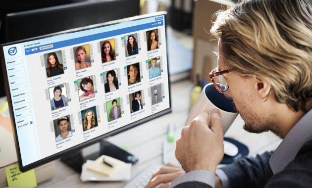 Як розмістити свої фотографії модельних агентств