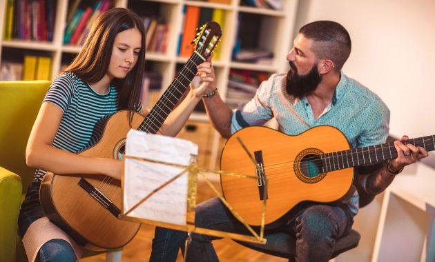 Musikklærer - lønn, nødvendige ferdigheter og mer